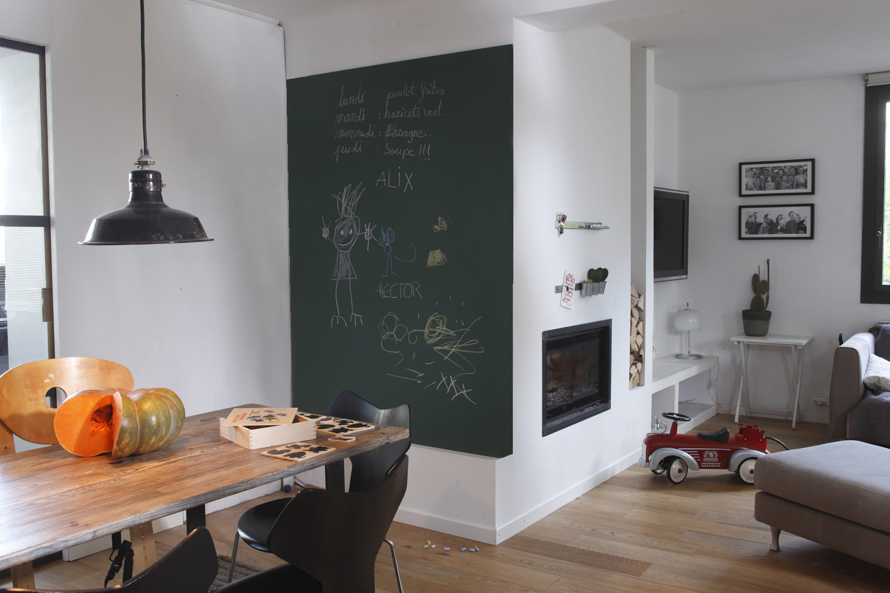 focus sur la peinture ardoise. Black Bedroom Furniture Sets. Home Design Ideas