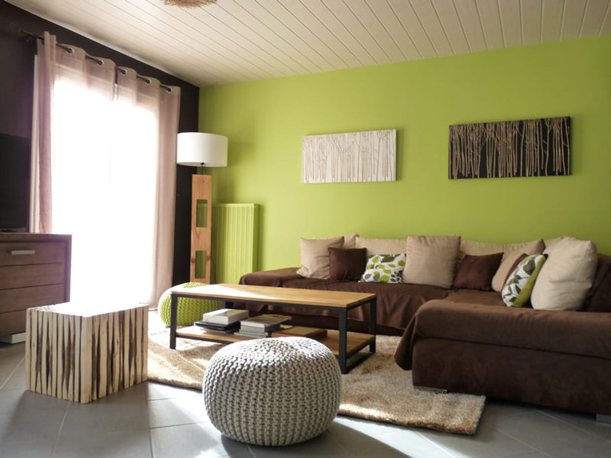 un mur vert anis. Black Bedroom Furniture Sets. Home Design Ideas