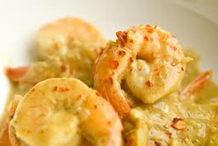Crevettes au lait de coco, poivron et gingembre