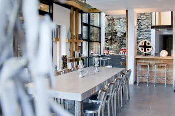 15 cuisines de style industriel pour une ambiance factory. Black Bedroom Furniture Sets. Home Design Ideas