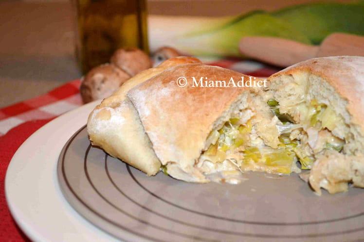 Pizza calzone au poulet, poireaux et champignons