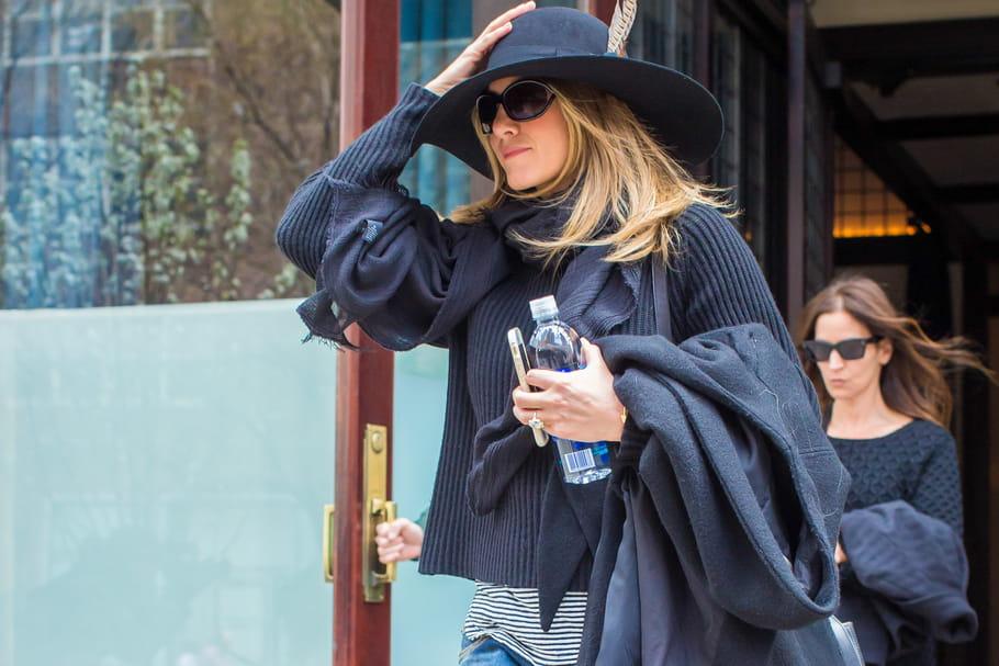 b6b7066df4573b Le look people du jour   Jennifer Aniston, neutre mais pas trop