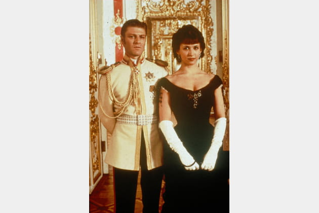 """En 1997dans """"Anna Karenine"""", au côté de Sean Bean"""