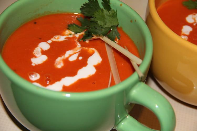 Soupe de tomates à la thaïe