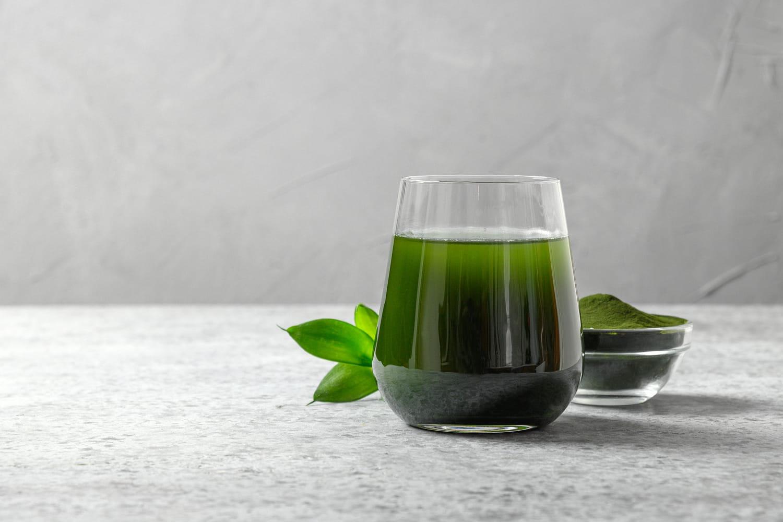 Chlorophylle (liquide): bienfaits, dangers, en pharmacie?