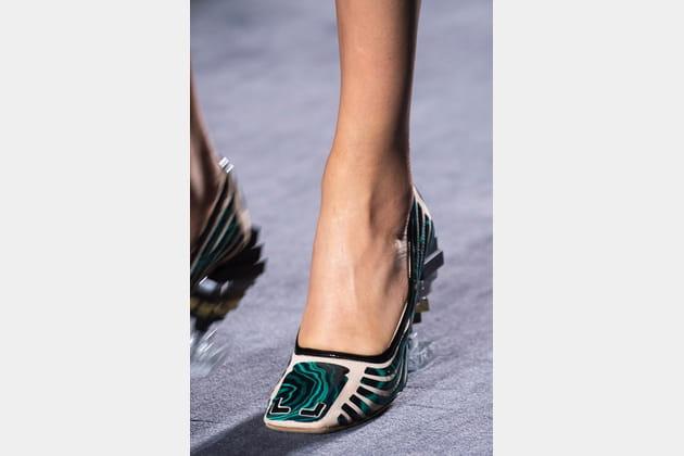 Fendi Couture (Close Up) - photo 29