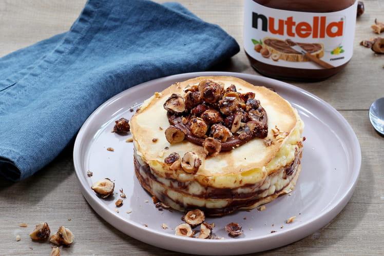 Mille-feuilles de crêpes au Nutella®, crème à la vanille et noisettes caramélisées