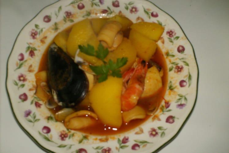 Calamars au fruits de mer avec pommes de terre