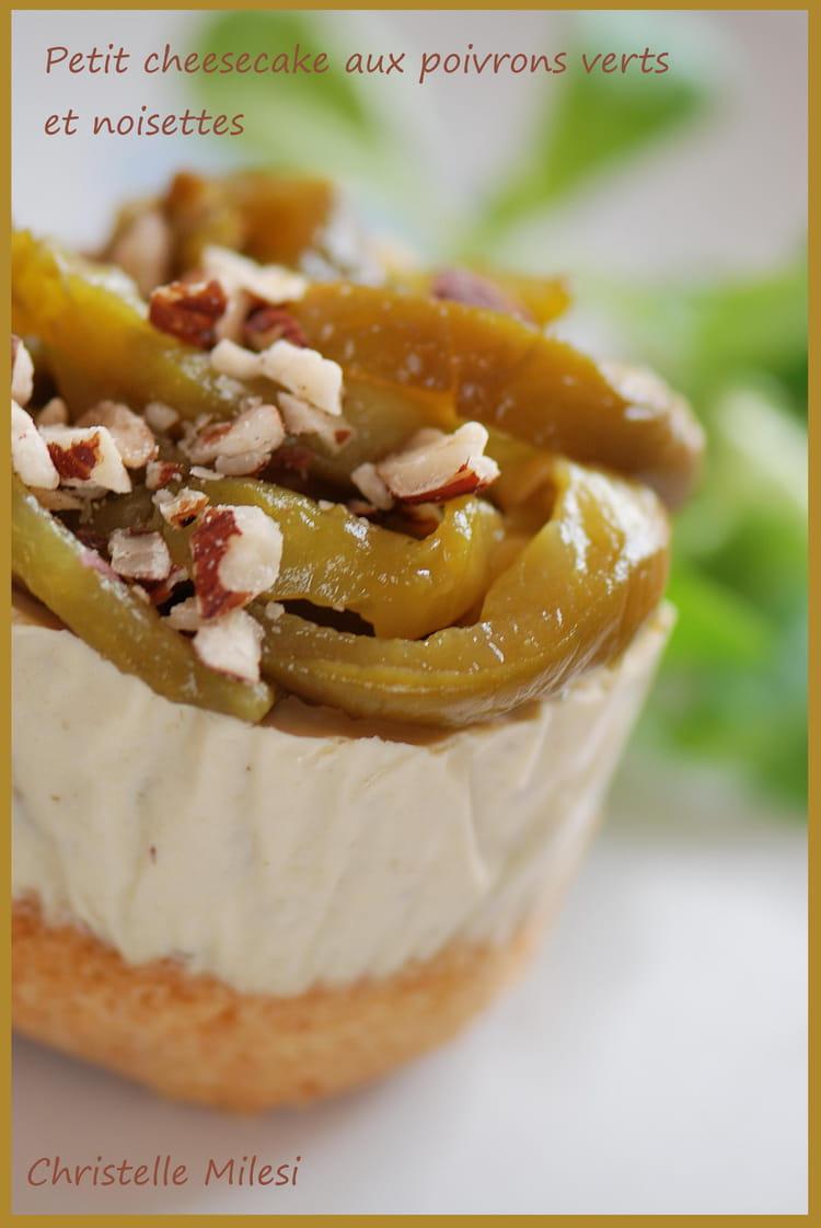 recette de petit cheesecake aux poivrons verts et noisettes la recette facile. Black Bedroom Furniture Sets. Home Design Ideas