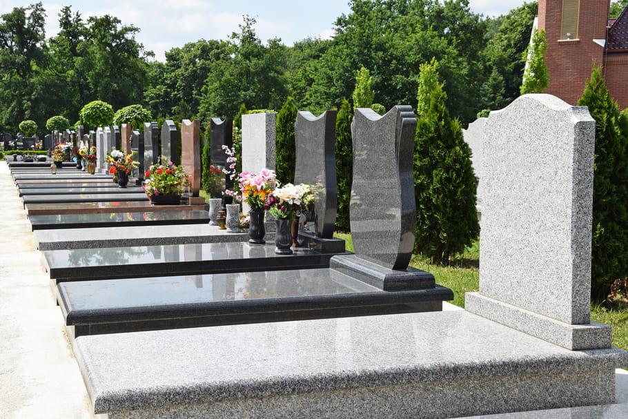 Inhumation(enterrement): définition, lieux, déroulement, démarches