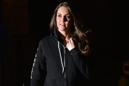 b0dec15c8f Kate Middleton et son sweat à capuche font le buzz