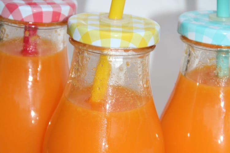 Jus d'épices, carotte, orange, citron, ananas, curcuma frais et gingembre