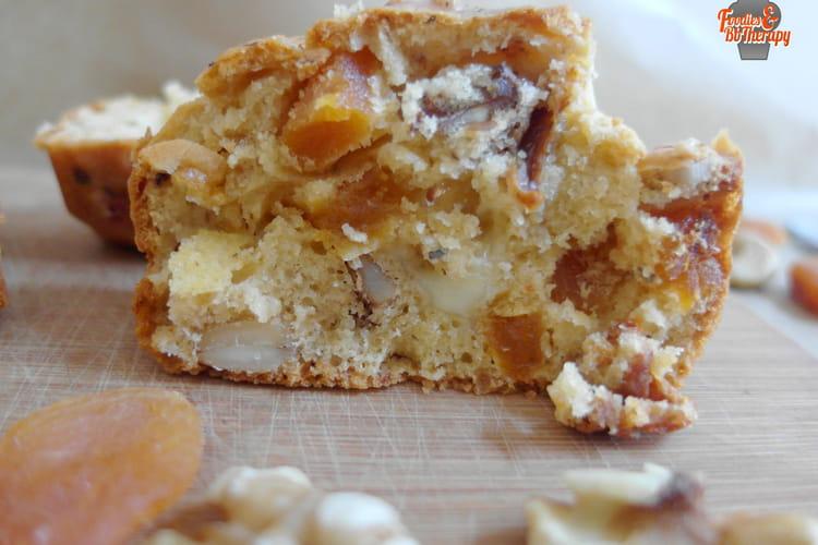 Cake salé aux abricots secs et noix