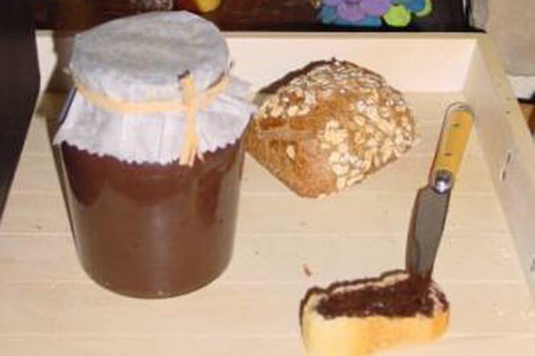 Pâte à tartiner au chocolat et pralin