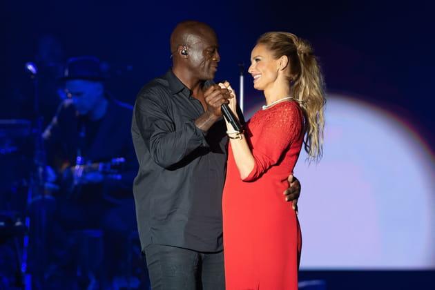 Seal chante la sérénade à Adriana Karembeu