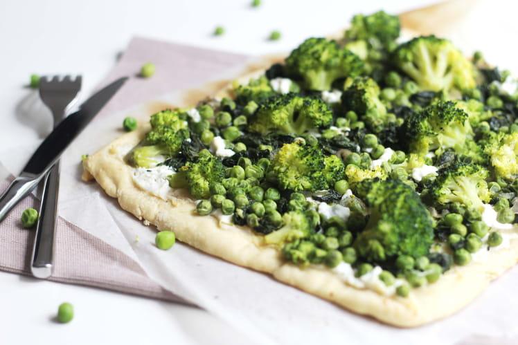 Pizza aux épinards, petits pois et brocoli