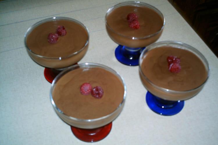Mousse au chocolat et aux framboises