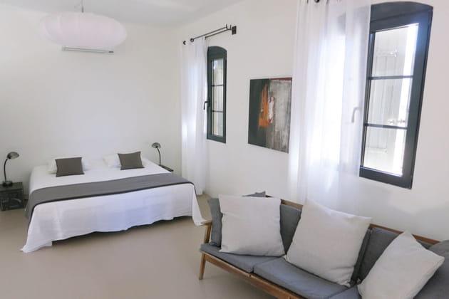 la chambre cocoon. Black Bedroom Furniture Sets. Home Design Ideas