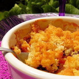 crumble pêches-griottes