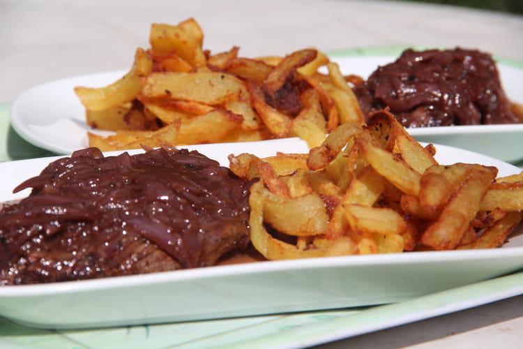 Bavette sauce aux échalotes et vin rouge