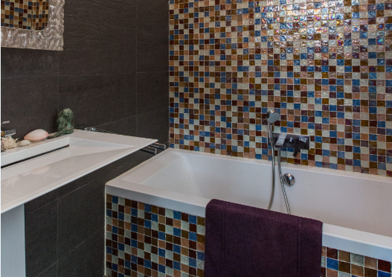 Salle de bains en mosaïque : 25 ambiances pour carreler sa ...