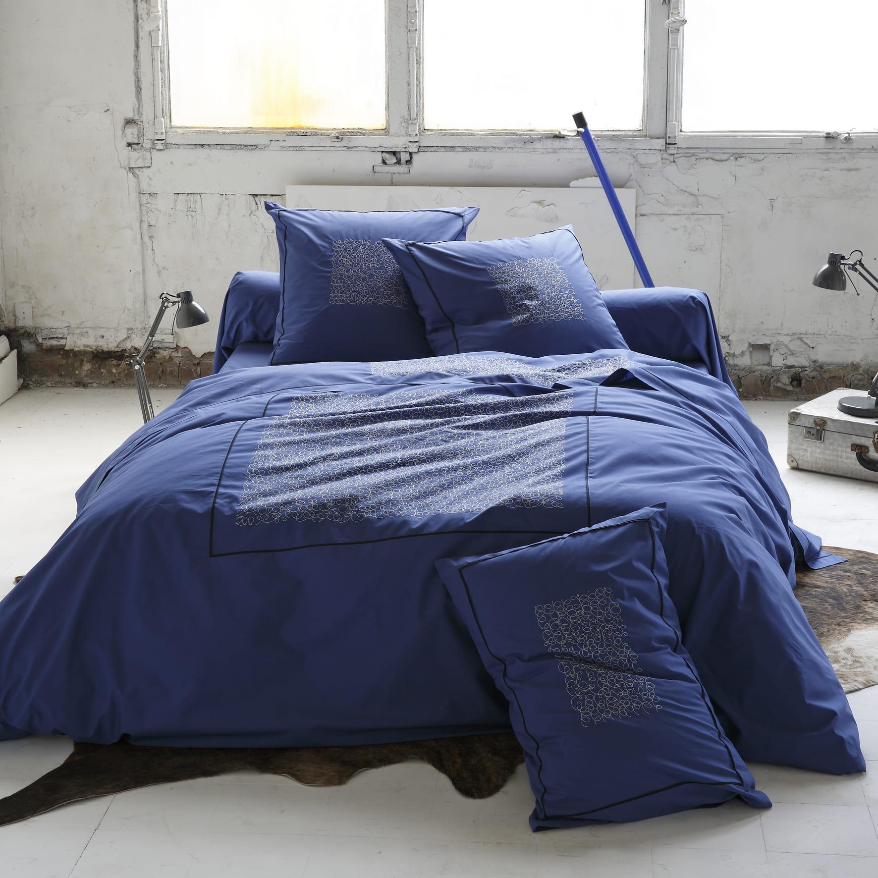 linge de lit de sylvie thiriez. Black Bedroom Furniture Sets. Home Design Ideas