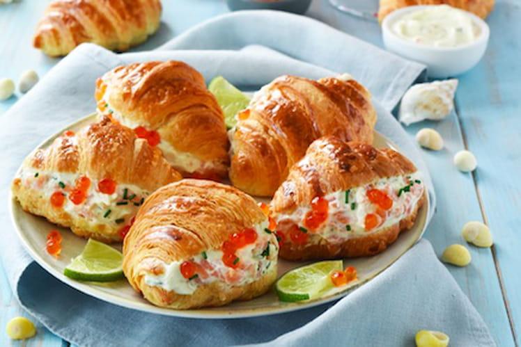 Mini-croissants farcis au saumon, fromage frais et Aperol Spritz