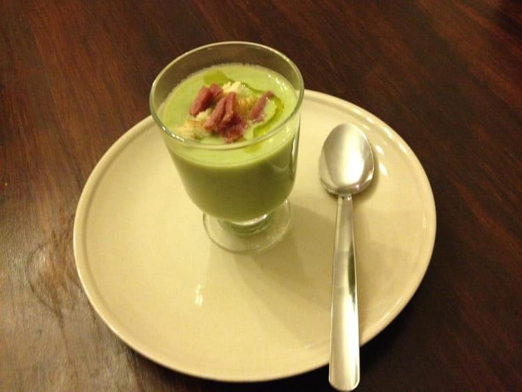 Recette de velout de f ves et brocolis la recette facile - Cuisiner brocolis surgeles ...
