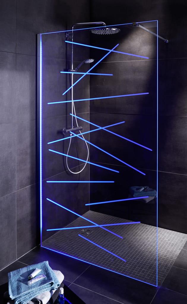 paroi de douche vitr e en led prestige vegas de lapeyre. Black Bedroom Furniture Sets. Home Design Ideas