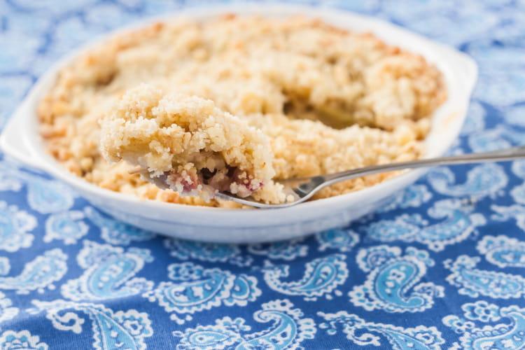 Recette De Crumble Pomme Rhubarbe La Recette Facile
