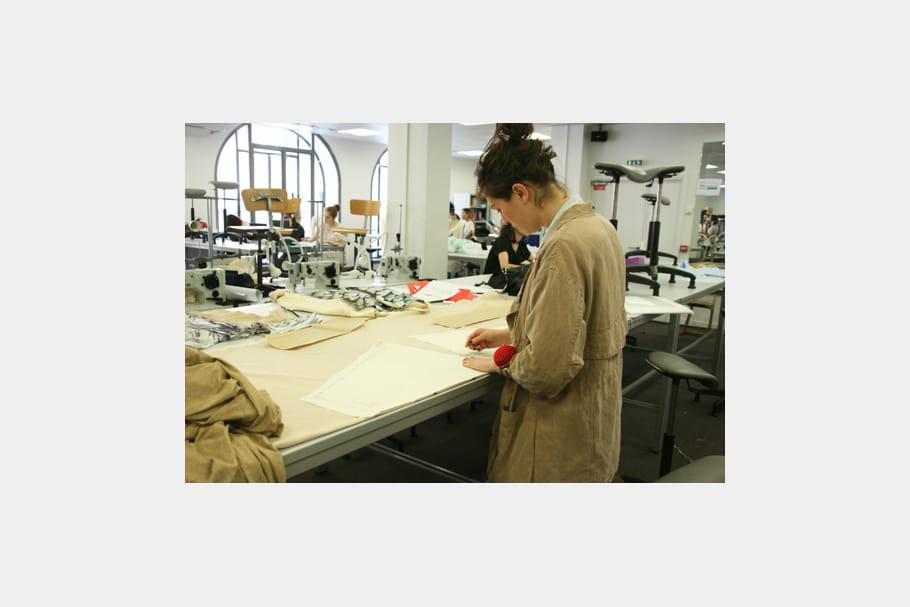 Une diversit dans les cours dispens s l 39 ecole de la chambre syndicale de la couture - Ecole de la chambre syndicale ...