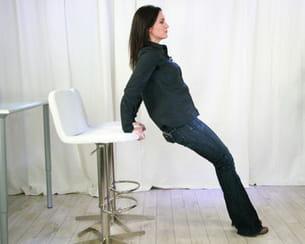 remontez les fessiers en conservant le dos bien droit