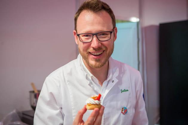 Julien Bourin, finaliste de l'émission le Meilleur Pâtissier (M6)
