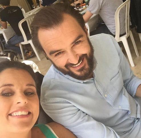 Cyril Lignac et Faustine Bollaert posent déj'