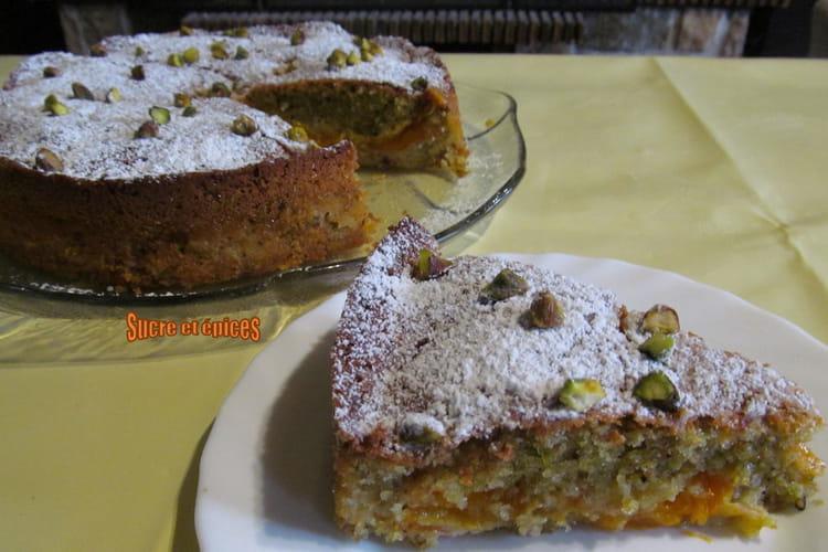 Gâteau moelleux abricots pistaches