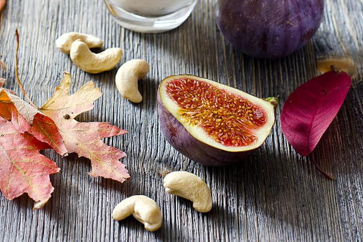 Smoothie prunes, figues et verveine