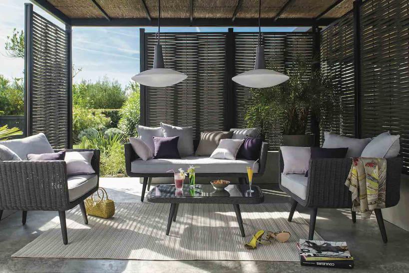 comment se prot ger du vis vis au jardin. Black Bedroom Furniture Sets. Home Design Ideas