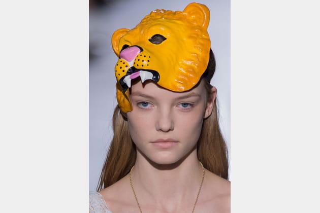 Le chapeau masque d'animal du défilé John Galliano