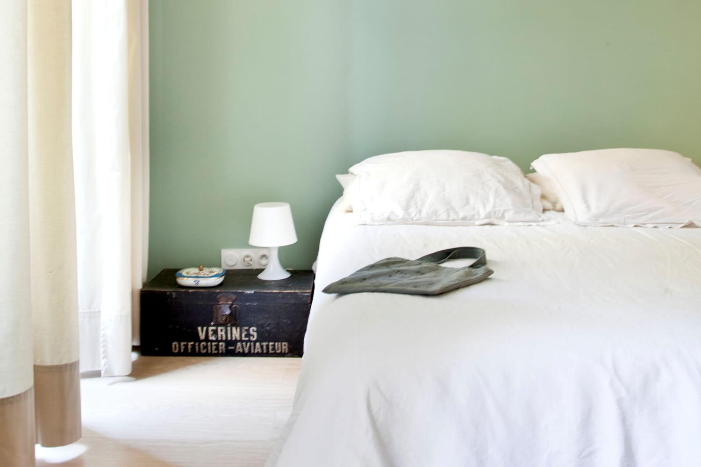 Bien choisir la table de nuit au chevet du lit