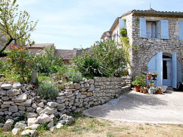 Une maison provençale en pierre