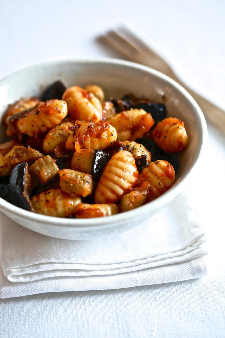 Recette de gnocchis tomacouli et aubergine la recette - Cuisiner des aubergines facile ...
