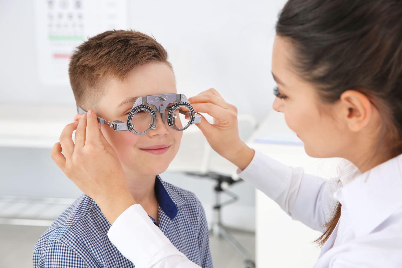 Examens ophtalmologiques de l'enfant: liste, quand, fréquence