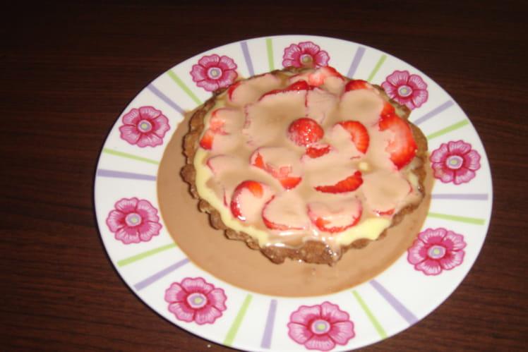 Tartelette fraise-spéculoos-chocolat blanc caramel