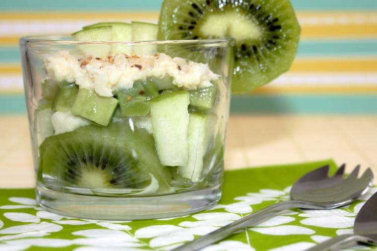 Salade acidulée au crabe, kiwi et avocat