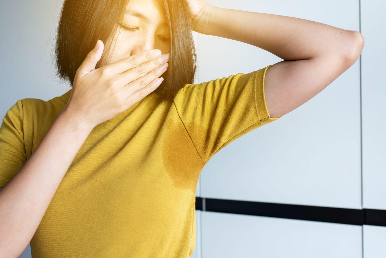 Odeur de transpiration: forte, acide, comment l'enlever?