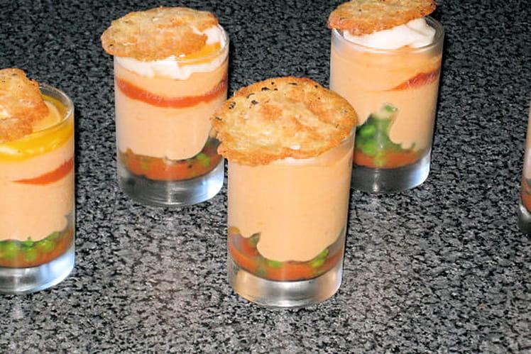 Verrines de mousse de tomate en verrine et son oeuf poché