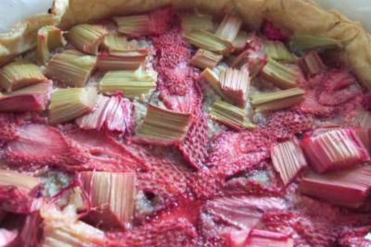 Tarte rapide fraises et rhubarbe