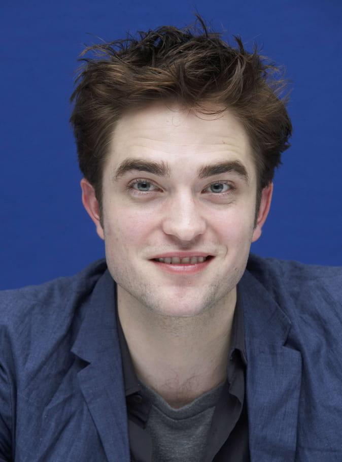 Robert Pattinson sans barbe