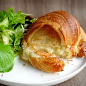croissants au fromage