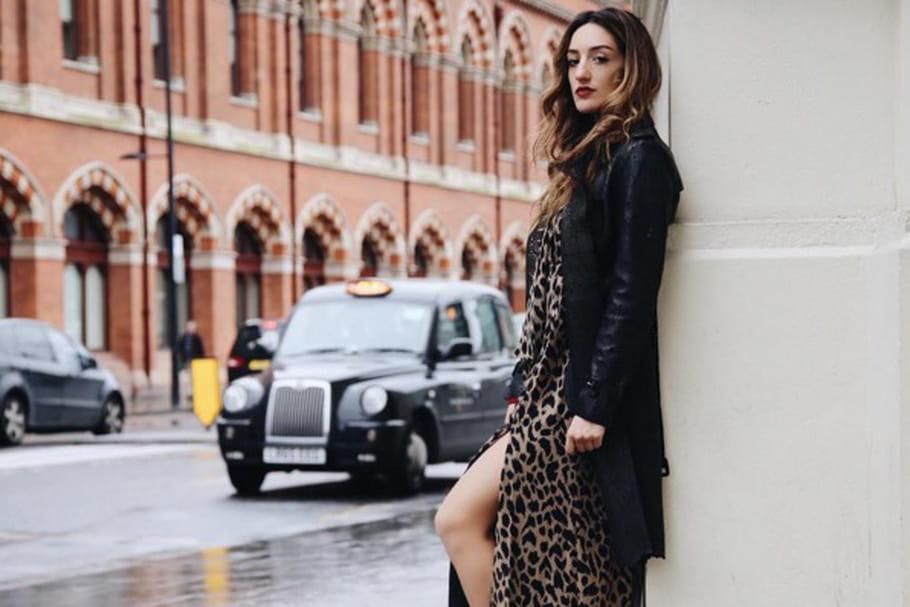 Le look blogueuse de la semaine : Kenza Sadoun de La Revue de Kenza à la fashion week de Londres